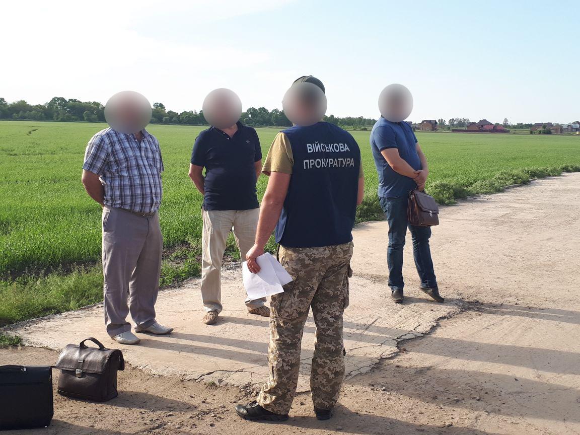 На Буковині на хабарі викрили начальника одного з управлінь водних ресурсів річок. Посередник, який передавав гроші під час затримання  помер